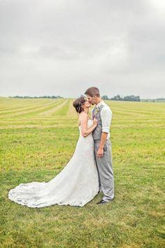 EDGE Photography. Wedding photo. Field.