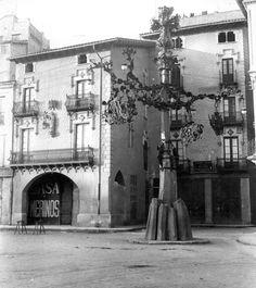 Les faroles encarregades a Gaudí per Torres i Bages pel centenari de Balmes són l'única obra de l'arquitecte desmuntada per l'autoritat amb l'aplaudiment popular.