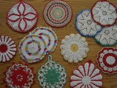 Bee In My Bonnet: Vintage Monday - Crochet Hot Pads