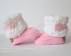 Crochet botitas de bebé, zapatos de bebé, zapatos de bebé niña, rosa, blanco, botas de invierno, regalos bebé, 6-9 meses, regalo, zapatos de bebé de piel