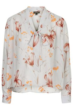 Flower Pussybow Blouse