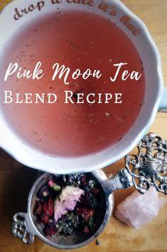 Natural Remedies For Sleep Pink Moon Tea Blend Recipe - The Witch of Lupine Hollow - A sweet tea blend recipe for the April Pink Moon and the Full Moon in Scorpio! Yummy Drinks, Healthy Drinks, Herbal Tea Benefits, Herbal Teas, Latte, Plat Vegan, Homemade Tea, Homemade Breads, Tea Blends