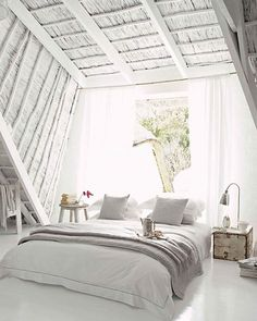 Romantic Bohemian // white bedrooms