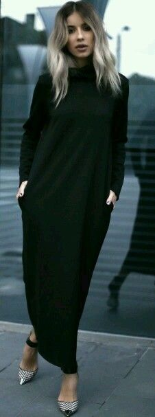 Love this look /Alinaceusanstories Gingham Print Pumps Maxi Black Dress Fall Inspo Look Fashion, Autumn Fashion, Womens Fashion, Fashion News, Modest Fashion, Hijab Fashion, Mode Hijab, Mode Outfits, Mode Inspiration