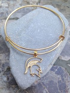 http://www.newtrendclothing.com/category/alex-and-ani-bracelet/ NEED!!! Michigan State Spartans Alex and Ani