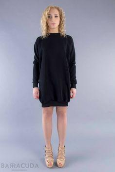 Na zdjęciu: - Czarna sukienka dresowa ze ściągaczem #barracudawear http://www.barracudawear.pl/basic/sukienka-dresowa-ze-sciagaczem/