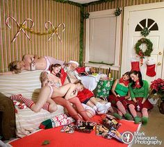 Very bad Santa! Naughty Santa, Bad Santa, Santa Pictures, Cool Pictures, Cookies In Bloom, Find Your Friends, Drunk Humor, Funny Drunk, Holiday Themes