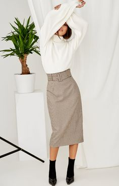 Find Out How Going to Work with Fall Outfits Is Possible Fall Fashion Outfits, Skirt Fashion, Stylish Outfits, Autumn Fashion, Womens Fashion, Fashion Fashion, Uniqlo Women Outfit, Teenager Fashion Trends, Cute Skirts