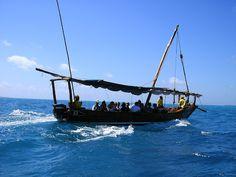Zanzibar Safari Blue. Citeste mai mult: http://www.imperatortravel.ro/2012/10/wazungu-degeaba-ai-venit-in-zanzibar-daca-nu-faci-un-safari-blue.html