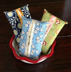 Travel size tissue covers. Sewing Tutorials.