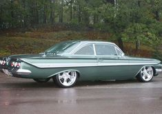 '61 Impala #Chevroletchevelleclassiccars - Old School Muscle Cars, Chevy Muscle Cars, 1961 Chevy Impala, Chevrolet Chevelle, Retro Cars, Vintage Cars, Mercedes S320, Gm Car, Ford Classic Cars