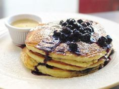Flip Food Network Kitchen's recipe for Simple Homemade Pancakes, a traditional brunch treat perfect with melted butter and pure maple syrup. Breakfast And Brunch, Best Breakfast, Brunch Food, Breakfast Recipes, Blueberry Syrup, Blueberry Pancakes, Fluffy Pancakes, Blueberry Compote, Sweets