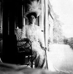 Alexandra Feodorovna, Familia Romanov, Belle Epoque, Lady, Summer, Coffin, Germany, Death, Strong