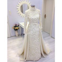 Hijab Dress Party, Modest Wedding Gowns, Muslim Wedding Dresses, Muslim Brides, Dream Wedding Dresses, Wedding Attire, Bridal Dresses, Elegant Dresses, Beautiful Dresses