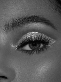 Boujee Aesthetic, Badass Aesthetic, Aesthetic Photo, Aesthetic Pictures, Black And White Picture Wall, Black And White Pictures, Black And White Makeup, Black Aesthetic Wallpaper, Aesthetic Backgrounds