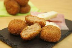 Un queso italiano dulce y suave: el queso ASIAGO. Ingrediente de un entrante rapidísimo de hacer, que puede gustar a la vez a los mayores y a los pequeños.