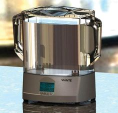 The Viante Home Products CUC-09SV Sous Vide Cooker lets you keep an eye on the action.