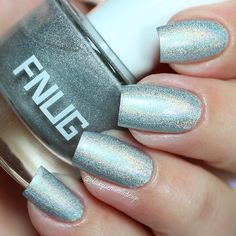 "Ana✨Nail Art-Tutorial-Swatches en Instagram: ""✨Magic holographic, I love it! Psychedelic 38 @fnug_official first apply Aqua fix base coat fnug special for holographic polish✨ Three coats without top coat #fnug #blackqueennailsdesignswatches"""