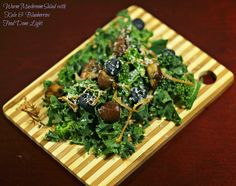 Warm Mushroom Salad with Kale & Blueberries #fooddonelight #kalesalad #warmmushroom