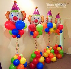 Colorful clown columns 🤡 ready for a Carnival birthday party 🎈🍿🎪 Clown Party, Circus Carnival Party, Kids Carnival, Circus Theme Party, Carnival Parties, Carnival Theme Cakes, Circus Cakes, Circus Wedding, Clowns For Birthday Parties