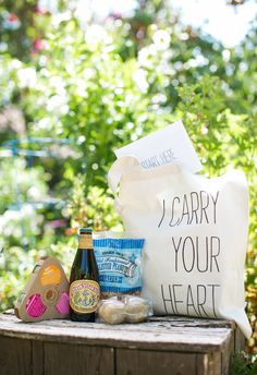 """I carry your heart"" wedding welcome bag // Sabine Scherer Photography"