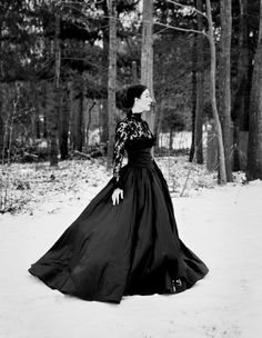 If only I knew then what I know now.thoughts on being thirty and the things you wished you knew earlier from photographer Jamie Beck. Gowns Of Elegance, Elegant Gowns, Oh The Humanity, Ann Street Studio, Classic Portraits, Love Her Style, Couture, Perfect Photo, Feminine Style