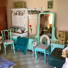 Nábytok maľovaný ekologickými a vodou riediteľnými farbami. všetky novinky nájdete na našej webovej stránke Vintage, Vintage Comics
