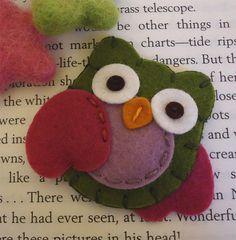 NO SLIP Wool felt hair clip Owl baby olive van MayCrimson op Etsy
