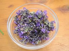 Lavender-Infused Oil - delighting the senses Flavored Oils, Infused Oils, Essential Oil Uses, Young Living Essential Oils, Aioli Recipe, Herbal Oil, Natural Medicine, Olive Oil, Bath And Body