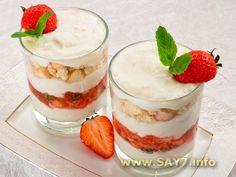 Десерт с рикоттой, клубникой и печеньем