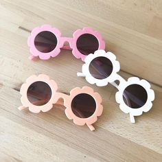 Always a favorite no matter the season. Our little flower sunglasses available in 6 colours plus we have our new baby pink mirror lenses… Flower Sunglasses, Baby Sunglasses, Round Sunglasses, Pink Mirror, Baby Accessories, Wildfox, New Baby Products, Baby Shoes, Kids