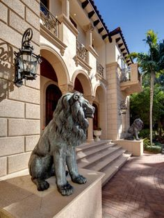What I'd like the front of my house to look like someday @Shannon Riggleman