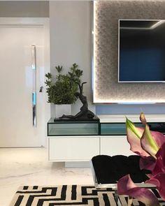 Para inspirar e encantar. Amei! Projeto Romero Duarte Via @maisdecor_ www.homeidea.com.br Face: /homeidea Pinterest: Home Idea #homeidea #olioliteam #arquitetura #ambiente #archdecor #archdesign #projeto #homestyle #home #homedecor #pontodecor #homedesign #photooftheday #love #interiordesign #interiores #cute #picoftheday #decoration #revestimento #decoracao #architecture #archdaily #inspiration #project #regram #home #casa #grupodecordigital #paineltv