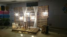 DIY pallet stage by Alison Medina
