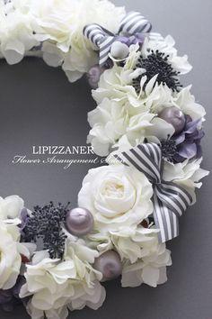 ホワイト×グレーの大人のリース の画像 LIPIZZANER Flower Arrangement Salon