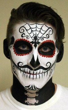 When you think about face painting designs, you probably think about simple kids face painting designs. Many people do not realize that face painting designs go Maquillaje Sugar Skull, Sugar Skull Face Paint, Sugar Skulls, Candy Skulls, Sugar Skull Make Up, Make Up Gesicht, Dead Makeup, Easy Halloween, Horror Makeup