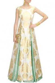Shop Luxury Indian Ethnic Wear For Women Online Indian Gowns, Indian Attire, Indian Ethnic Wear, Pakistani Dresses, Indian Outfits, Ethnic Fashion, Indian Fashion, Mehndi, Henna