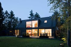 black house + big windows