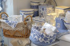 GreenGate Fay Blue and White