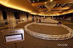 KNRM @knrm KNRM druk bezig met de voorbereidingen voor het Reddersgala morgen in Grand Hotel Huis Ter Duin in Noordwijk