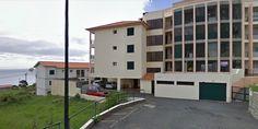 Apartamento T2 na Mãe de Deus, Caniço, 1º andar, com área de 75 m2. Zona sossegada, segura e de fácil acesso. Com 2 quartos, 2 wc, cozinha + marquise, sala + varanda, arrecadação e estacionamento. Preço 80.000€. Com financiamento Bancário na totalidade e outros descontos … Venha visitar, ligue 963701529 Teresa Caires