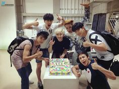 埋め込み画像への固定リンク Ok Taecyeon, Lee Junho, Funny Boy, Korean People, Beautiful Voice, Celebs, Celebrities, Going Crazy, Hot Boys
