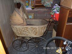 alter Antiker Kinderwagen um 1880 Originalzustand zum resrtaurieren in in Bitterfeld | eBay