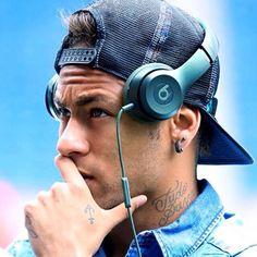 Neymar Junior, everyone. Neymar Jr, Paris Saint Germain Fc, National Football Teams, Beats By Dre, Soccer World, Camp Nou, Best Player, Lionel Messi, Fc Barcelona