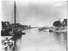 Boats at Bowers     Date: August 5, 1929