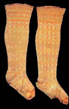 Machine Knitted Socks, turn of 16/17th century, Deutches Strumpf Museum, http://www.german-hosiery-museum.de/