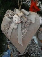 idea for a decoration: Patchwork Heart, Fabric Hearts, Christmas Hearts, Deco Originale, Heart Pillow, Lace Heart, I Love Heart, Homemade Valentines, Heart Crafts