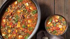 Soupe aux légumes, au riz sauvage et au tofu à la mijoteuse