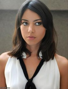 Aubrey Plaza current wifey, from Parks & Recreation on NBC. She's hot and funny win-win. We got a good thing going. Life After Beth, Pretty People, Beautiful People, Non Blondes, Aubrey Plaza, Belleza Natural, Woman Crush, Gorgeous Women, Stunning Girls