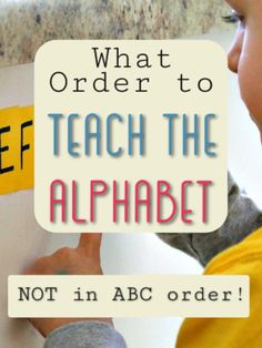 This kindergarten teacher knows what she is talking about. Makes so much sense to teach the alphabet in this way! This method helps children learn alphabet letters, letter sounds, and teaches them to READ also! Plus a free printable to remember what order Teaching Abcs, Teaching The Alphabet, Preschool Curriculum, Preschool Lessons, Kindergarten Teachers, Teaching Reading, Teaching Toddlers Letters, Montessori Elementary, Homeschooling
